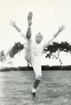 1949 Bob Lee kicking